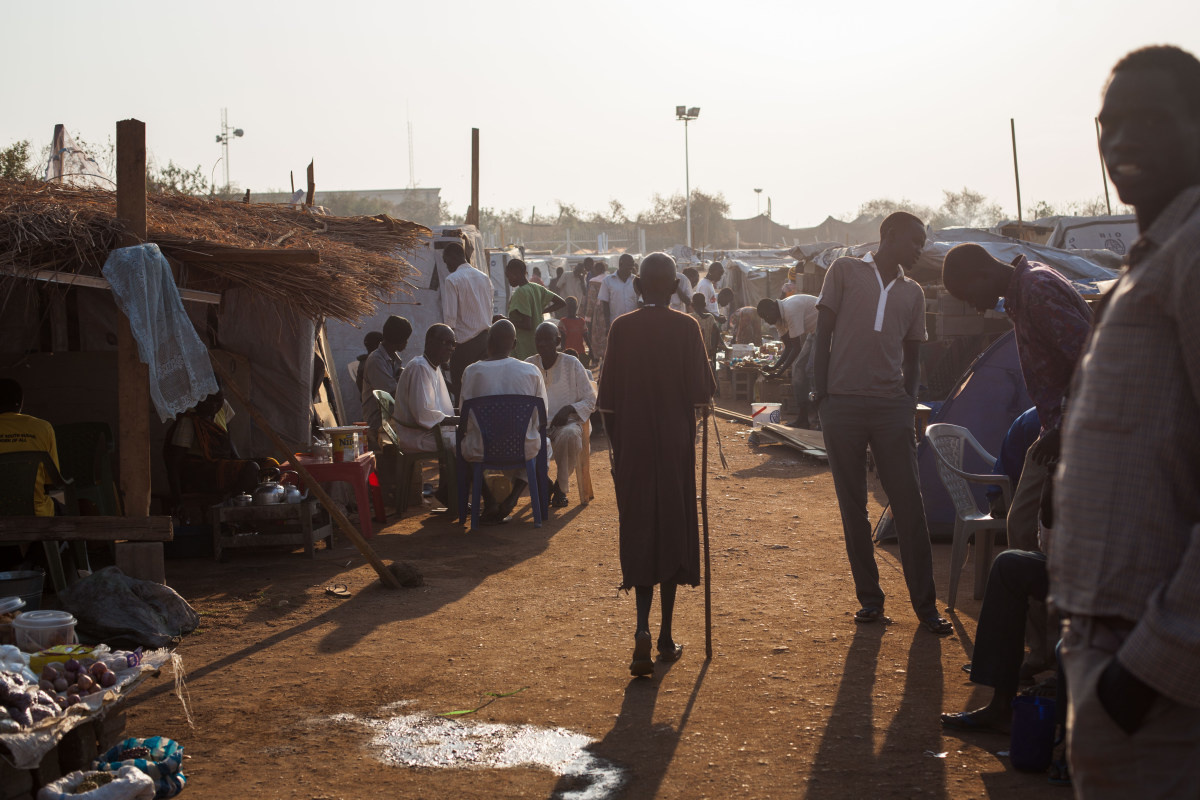 c_Camille-Lepage_Handicap-International__More_than_15000_people_at_a_IDP_camp_in_South_Sudan_in_2014.jpg