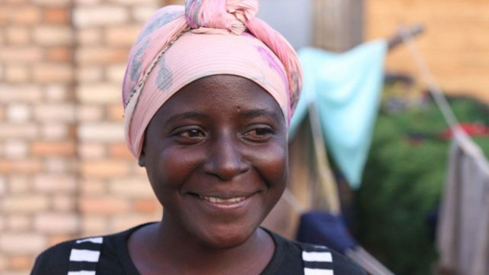 Burundi | One woman brings new hope to others after a life changing surgery