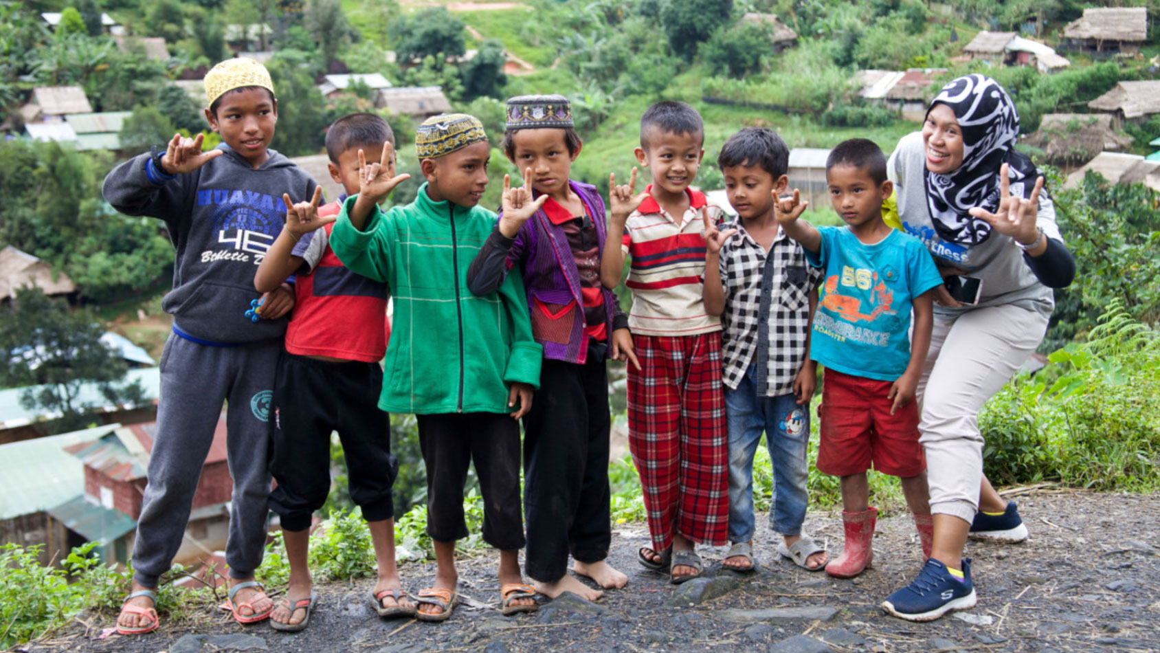 children-smiling-for-the-camera-in-Indonesia
