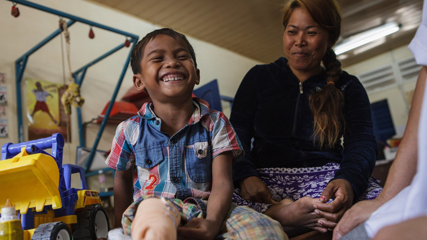 "Cambodia | ""I just want to put on my prosthesis"""