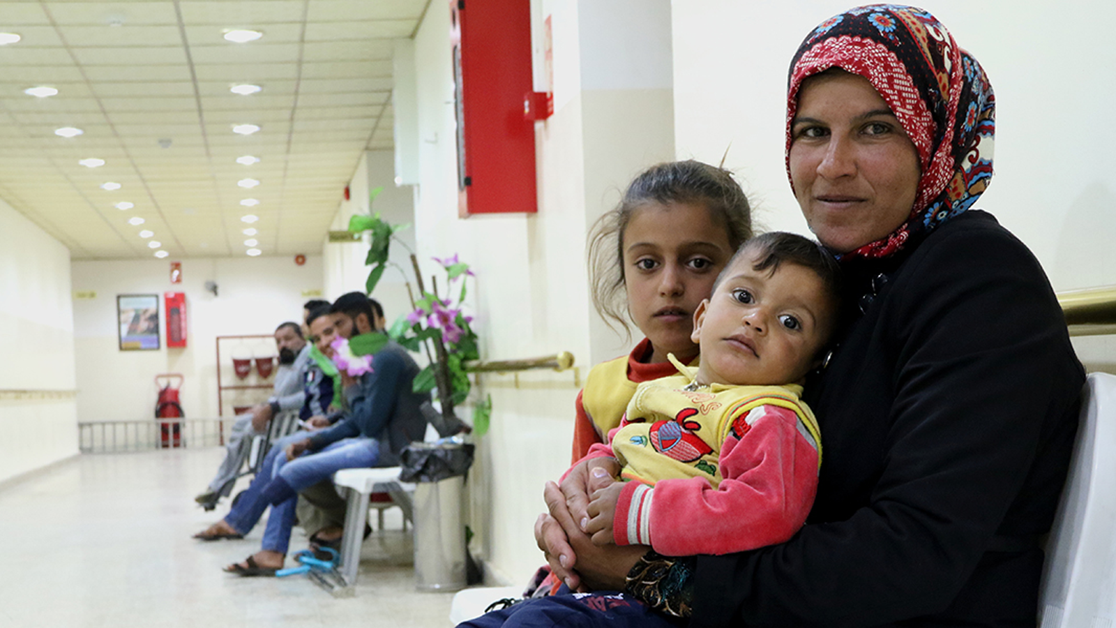 Iraq | Aiding Iraqis and Syrians Fleeing War