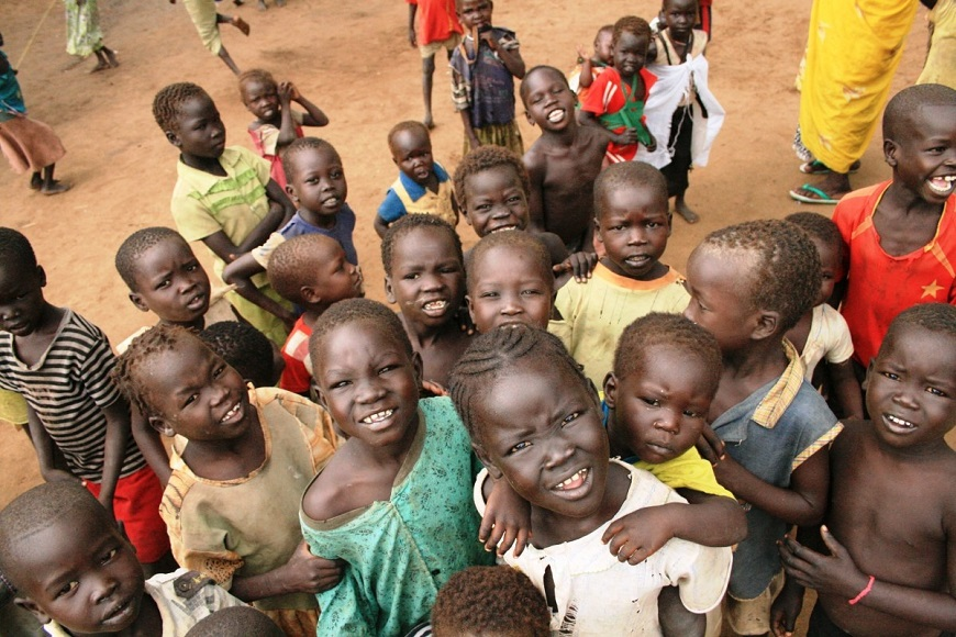 c_Audrey-Lecomte_Handicap-International_Children_in_South_Sudan_looking_at_camera.jpg