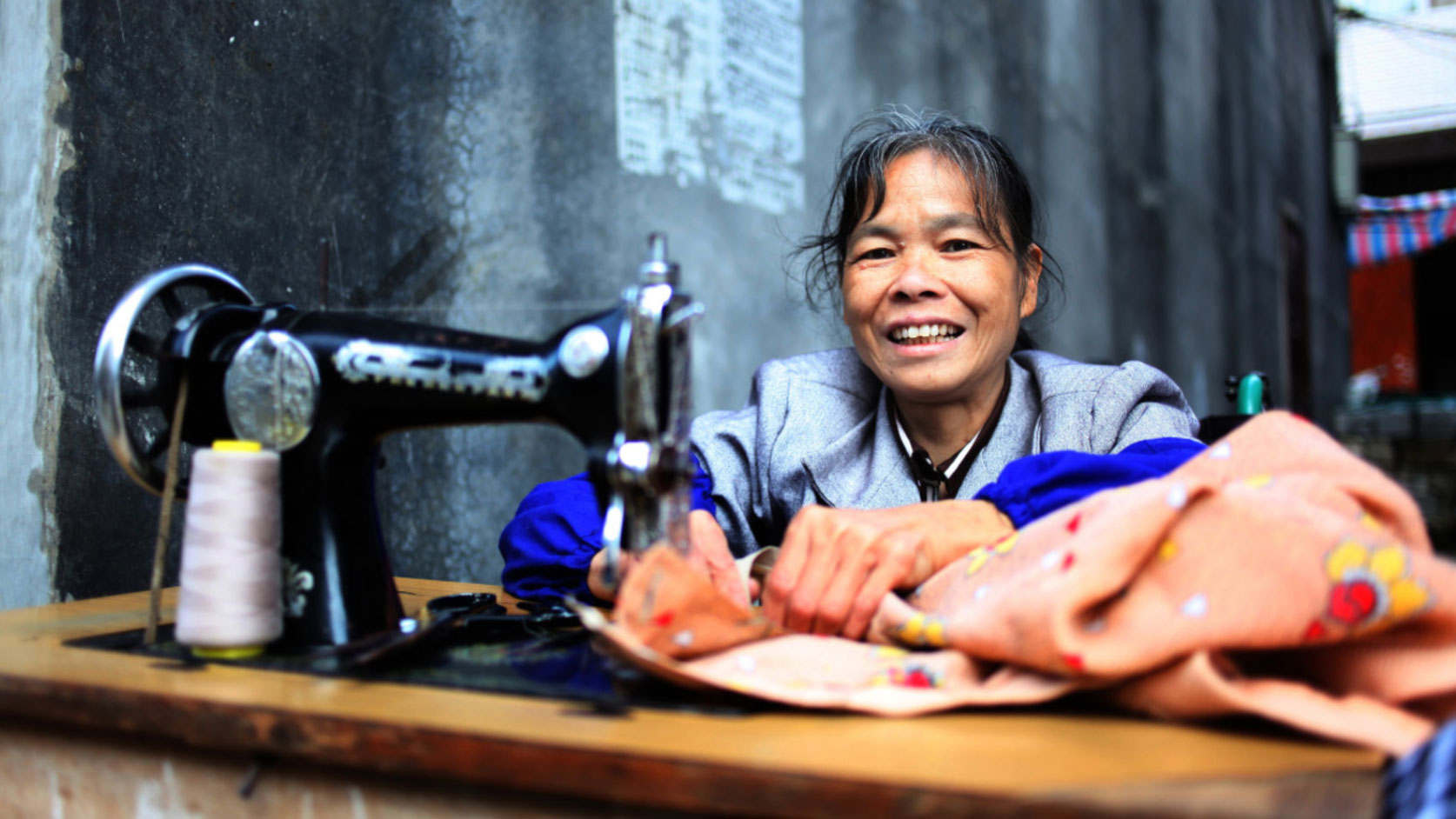 woman-sewing-in-China