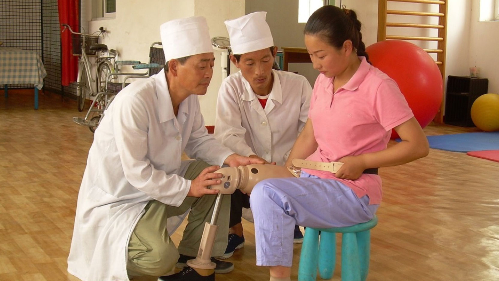 young-girl-recieving-physical-therapy-for-her-lost-leg-in-North-Korea