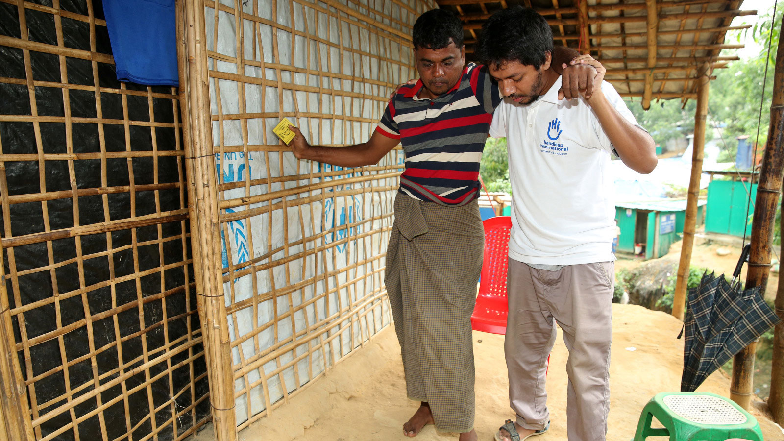 HI physical therapist supporting a Rohingya refugee in Bangladesh
