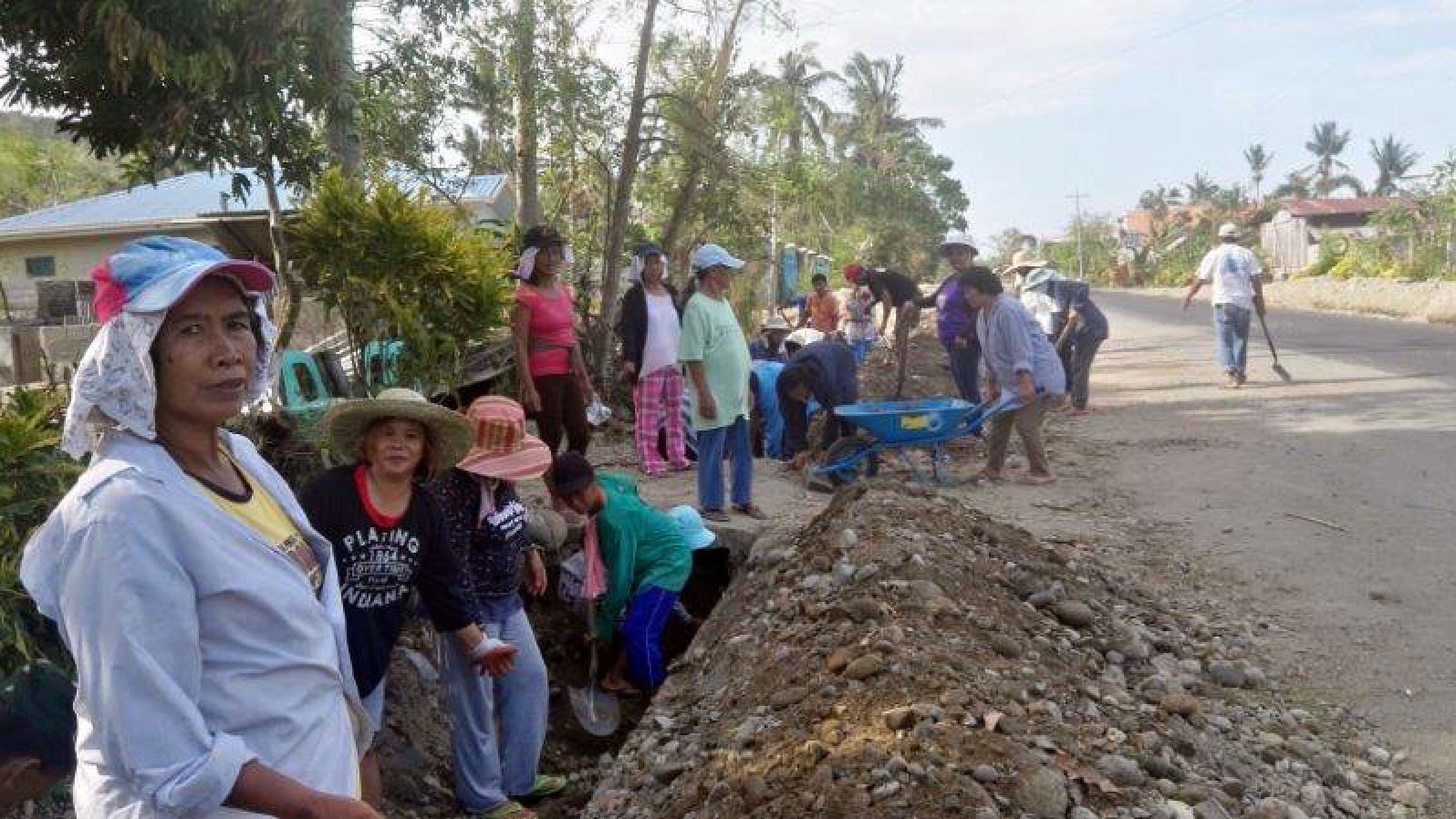 Philippines | Strengthening ties and clearing debris following Typhoon Mankghut
