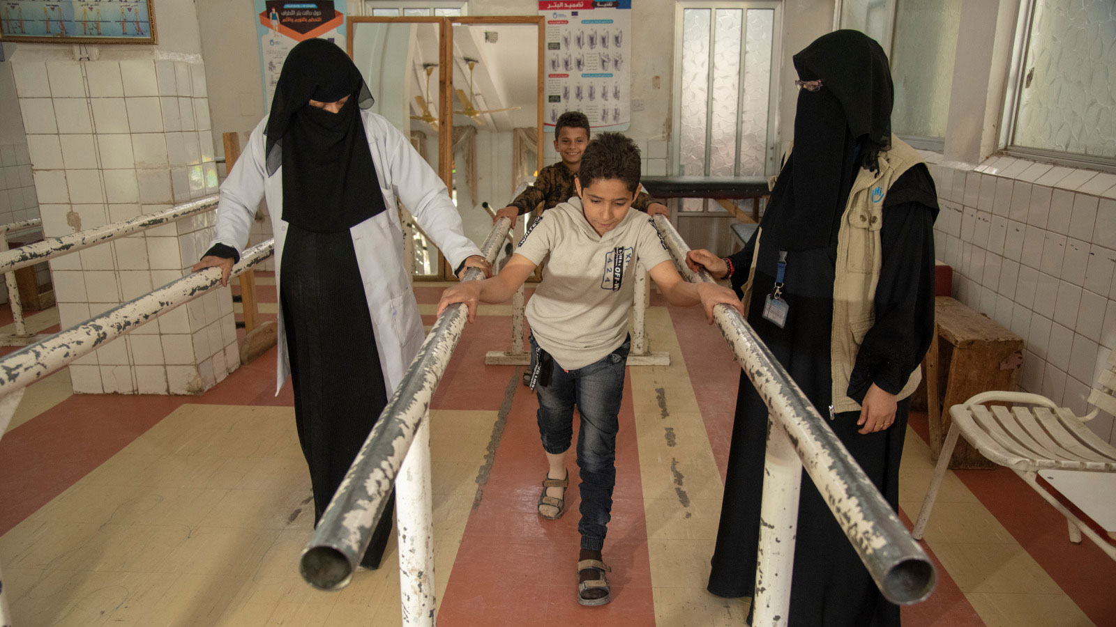 Yasser -12 -does-physical-therapy-exercises-after-losing-his-leg-in-a-bombing-that-killed-his-father-in-Yemen
