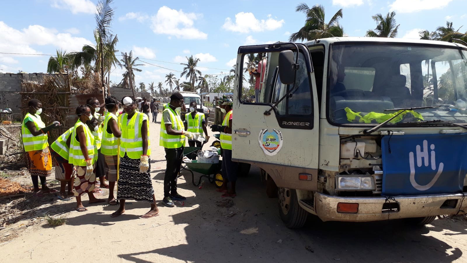 HI's-logistics-team-helps-to-clear-roads-from-debris-following-the-cyclone-in-Mozambique