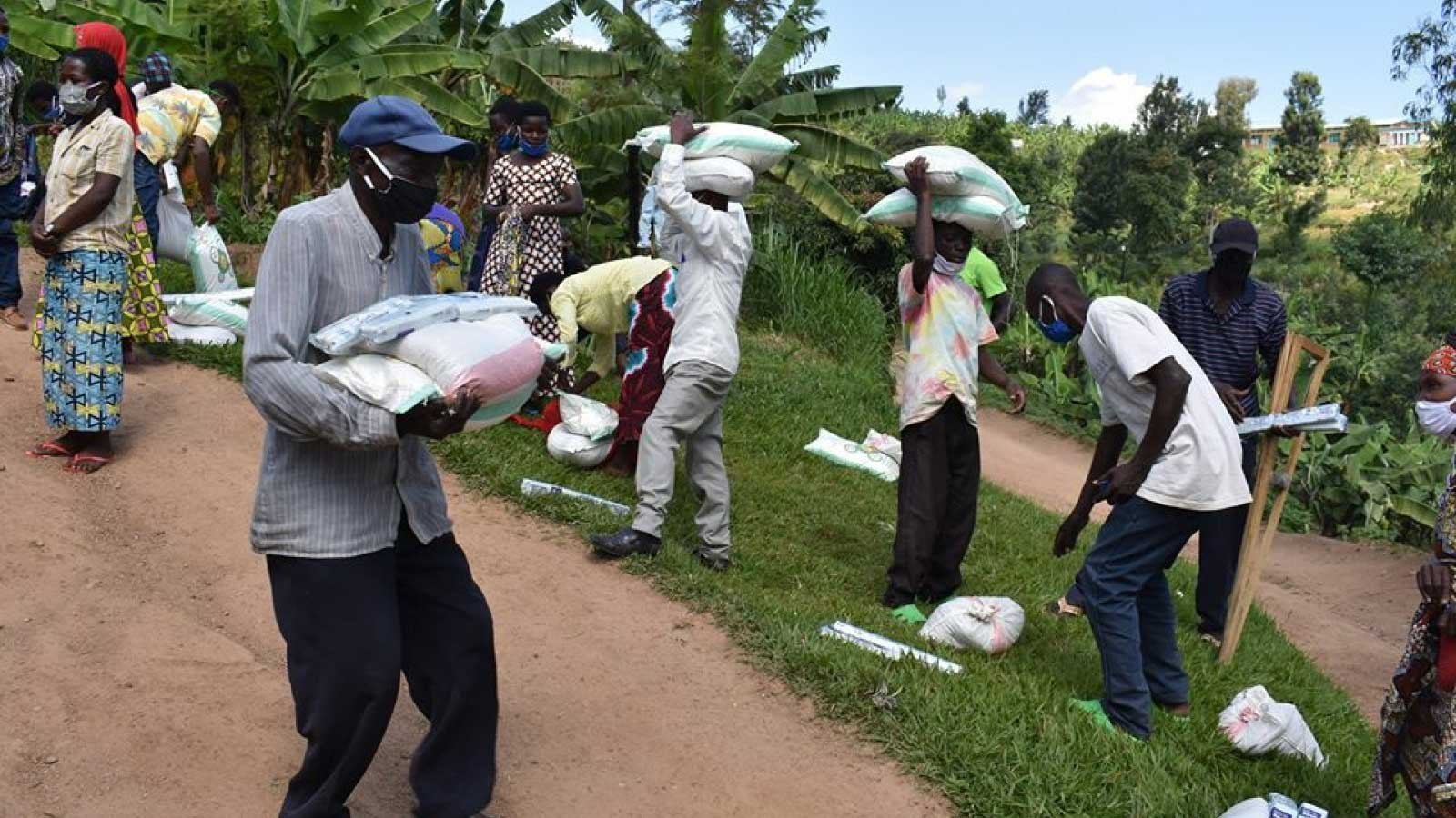 COVID-19 in Rwanda | Distributing food to Rwandans who need it most