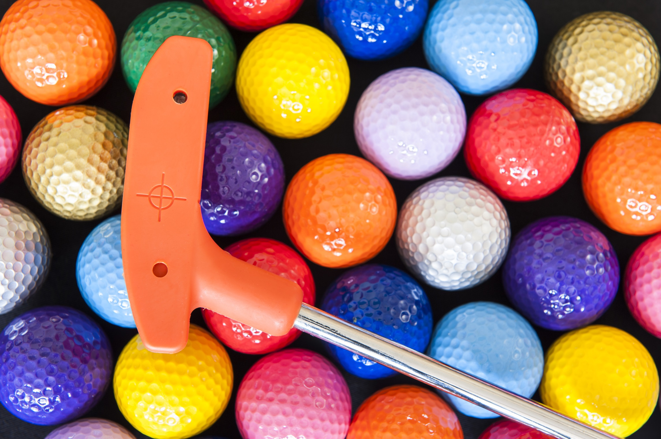 Colored_Balls_and_Club_(1).jpg