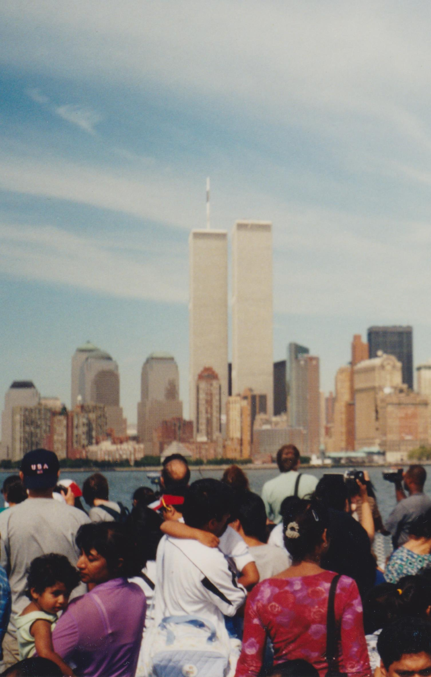 WTC_1_and_2__View_-_Statue_of_Liberty_Ferry__Labor_Day__2001.jpg