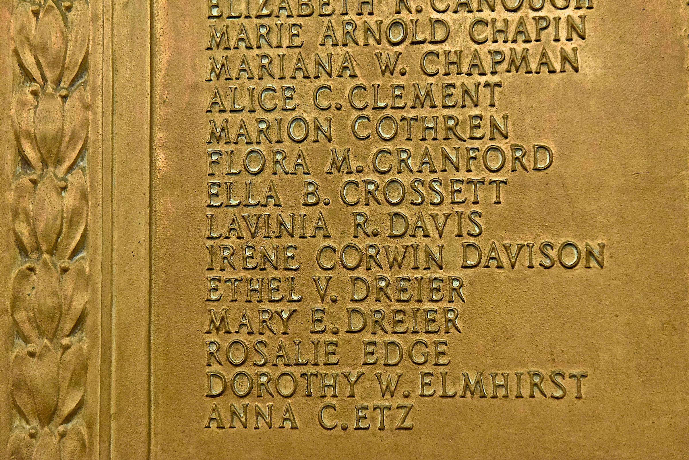Womans_Suffrage_plaque_closeup.jpg