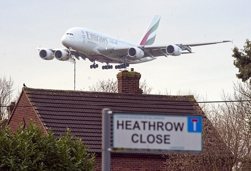 A plane comes in to land at Heathrow (Source: The Daily Mail)