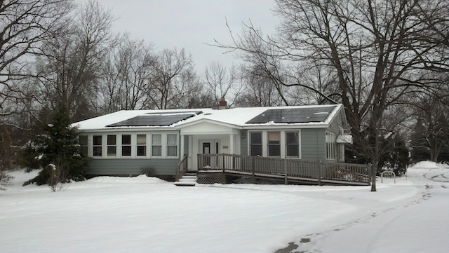 Solar_Panels_with_Snow