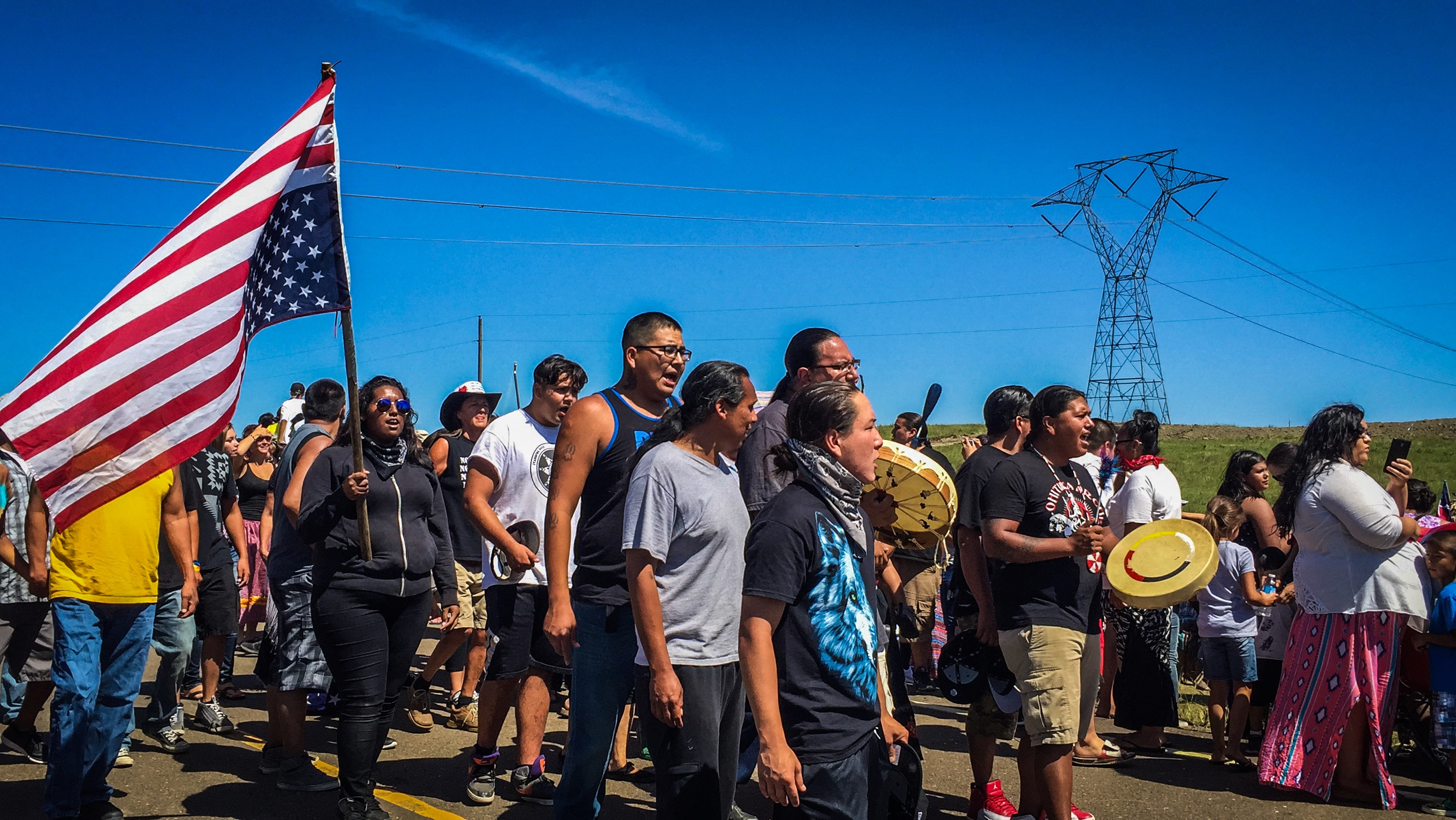 the violation of human rights in the construction of the dakota access pipeline dapl Construction of the $38 billion dakota access pipeline (dapl) began in july  2014  when oil hits water, both humans and wildlife suffer  and it is precisely  this right to be consulted that the standing rock sioux say  in spite of this, and  in direct violation of federal law, construction on the pipeline has.