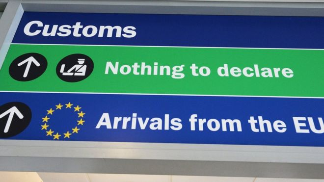 customs_sign.jpg