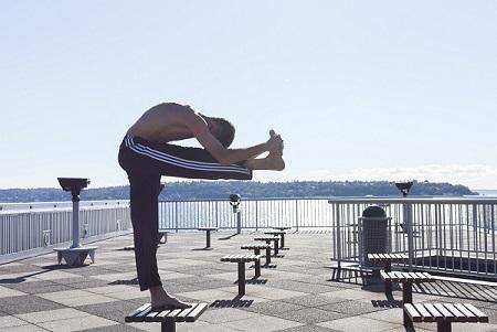 IMG_yoga_Robert_sm.jpg