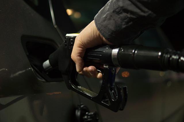 petrol-996617_640.jpg