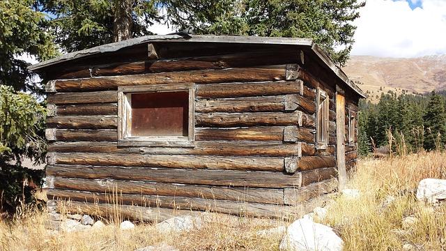 log-house-1045230_640.jpg
