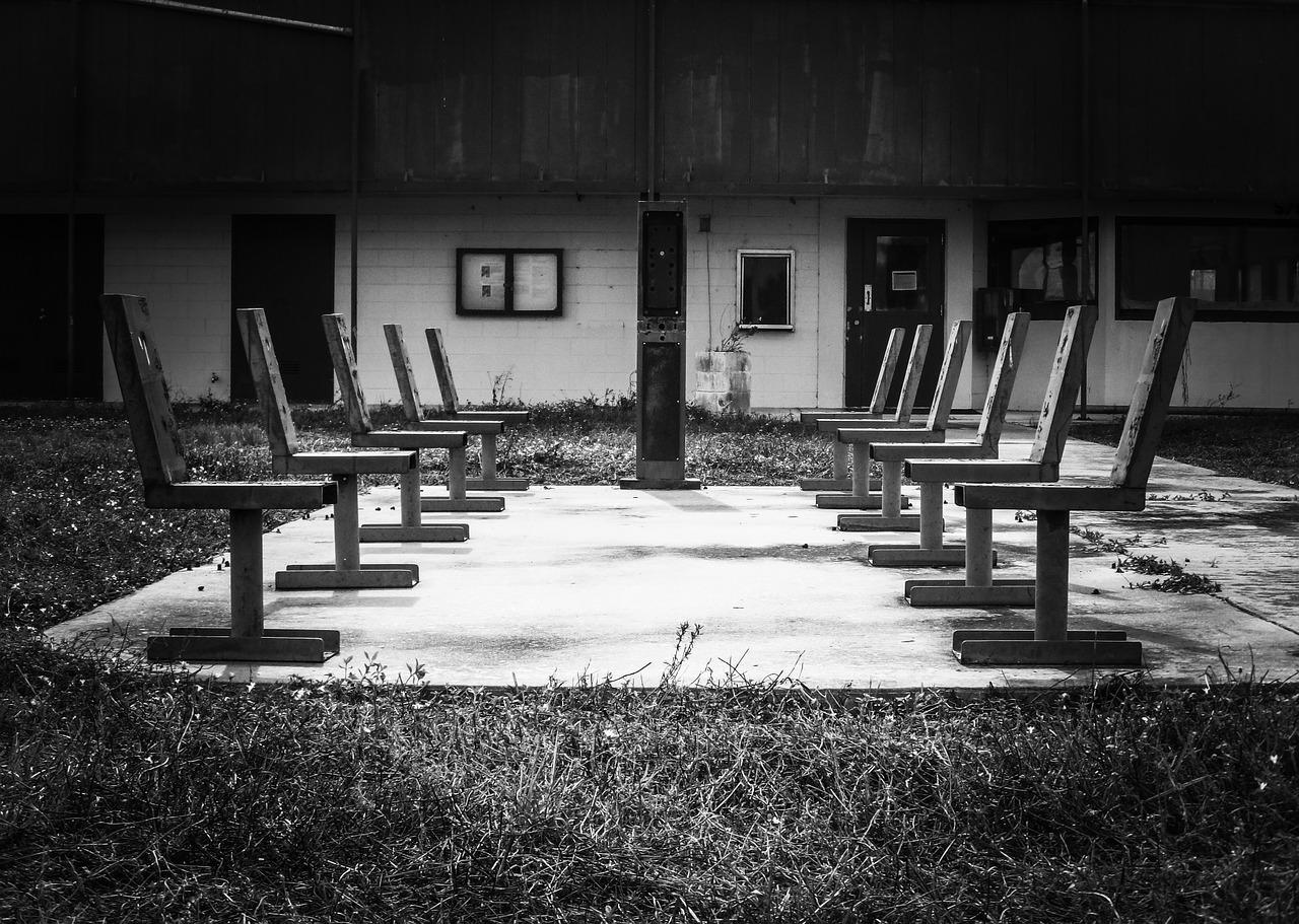 chairs-218460_1280.jpg