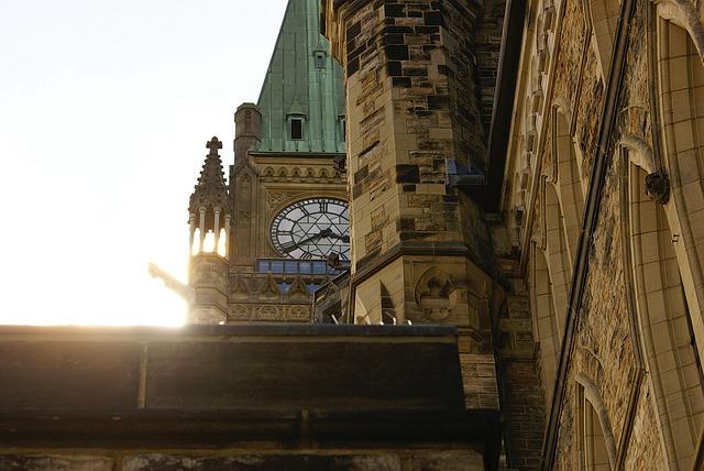 Peace-Tower-Parliament-Ottawa-203156.jpg