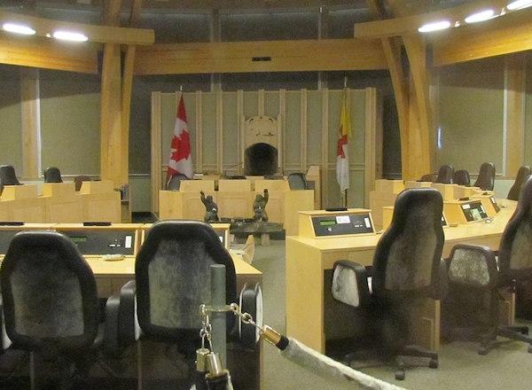 Legislative_Assembly_of_Nunavut_wikimedia_commons.jpg