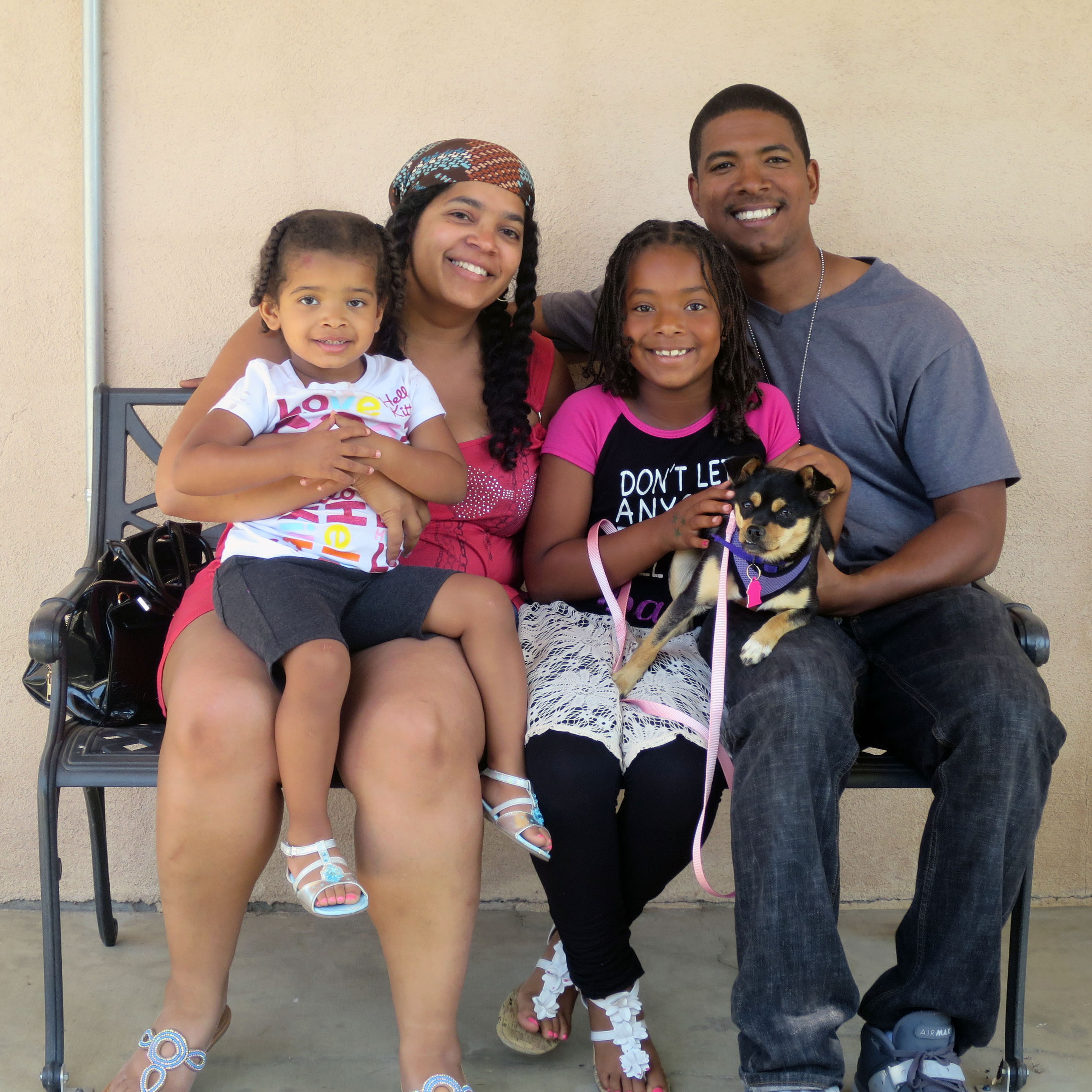 Success stories a new family for mona humane society of antwon kendra aaliyah alaina first met mona at last weeks 805 save lives adoption event at ventura ccuart Choice Image