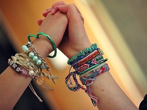 friendship-bracelets-1.jpg