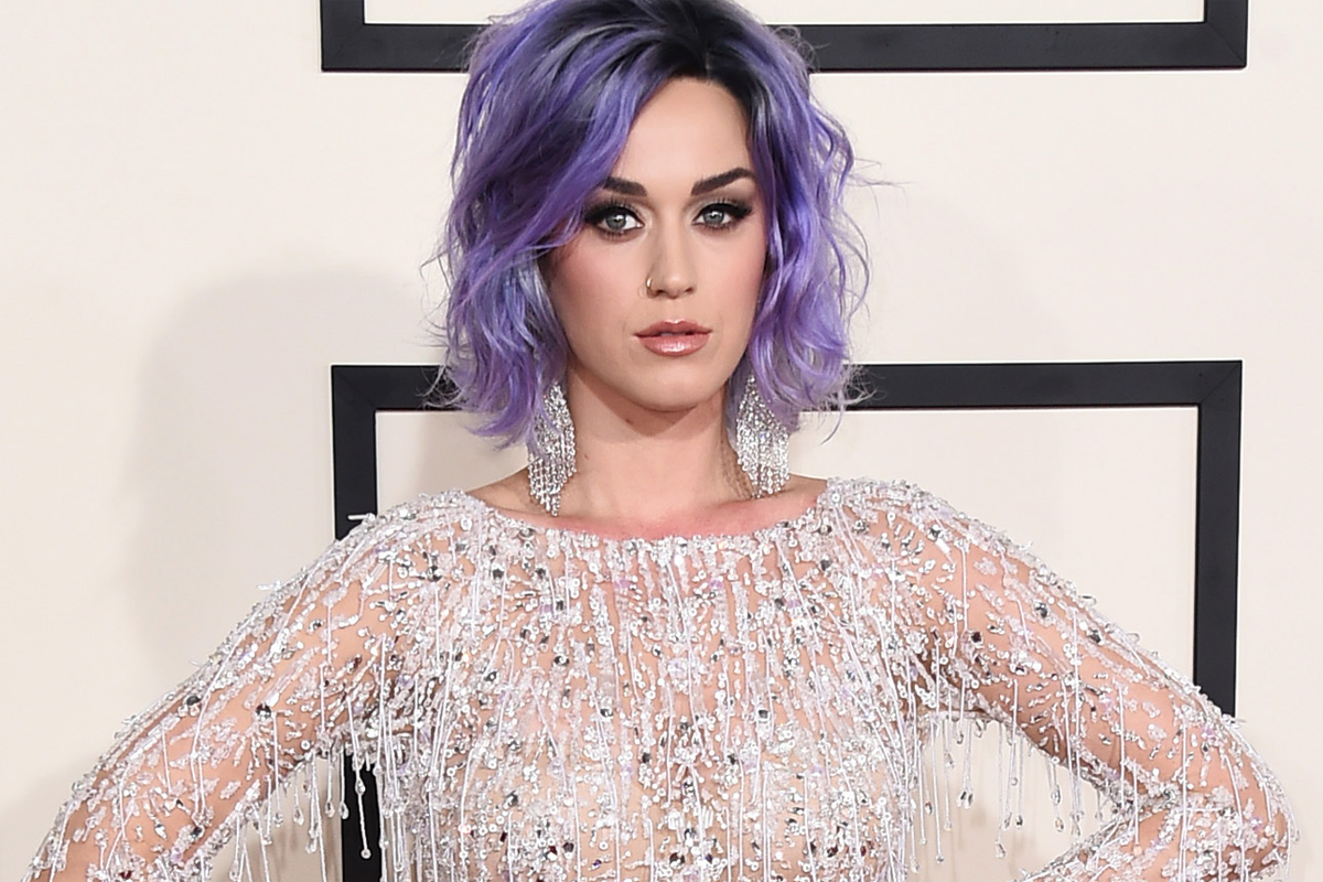 Katy-Perry--2015-Grammys.png