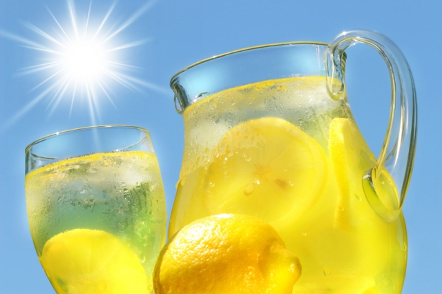 Iced-cold-lemonade-the-ultimate-thirst-quencher.jpg
