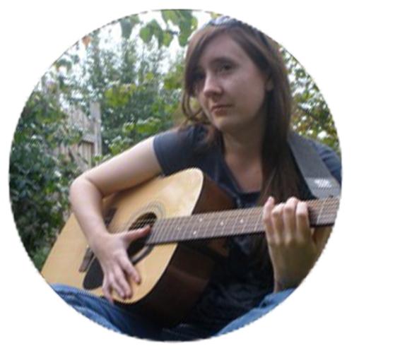 EMILY_ALGAR_writer_bio.jpg