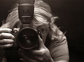 woman-photographer.jpg