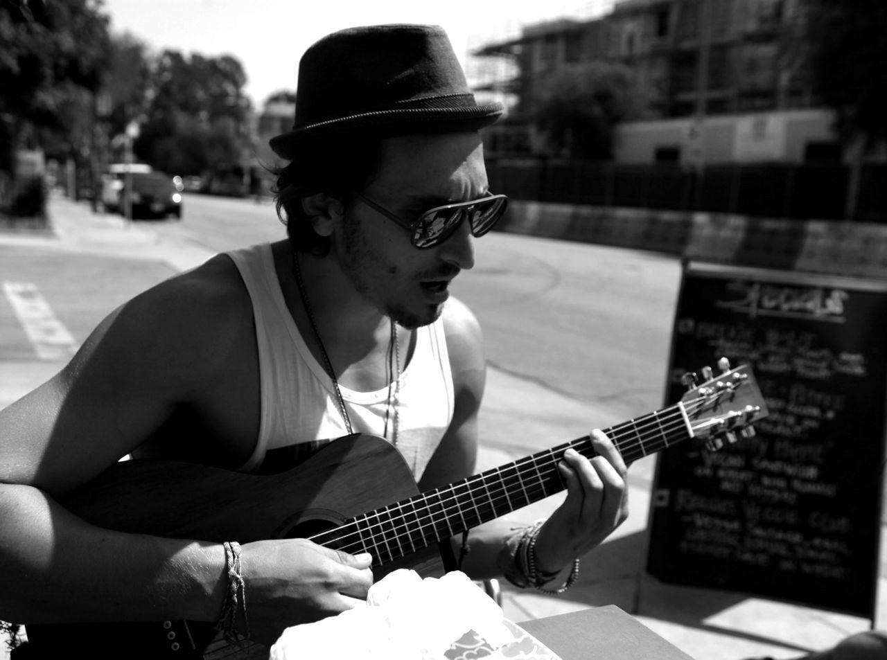 Austin_Guitar_by_Hadas.jpg