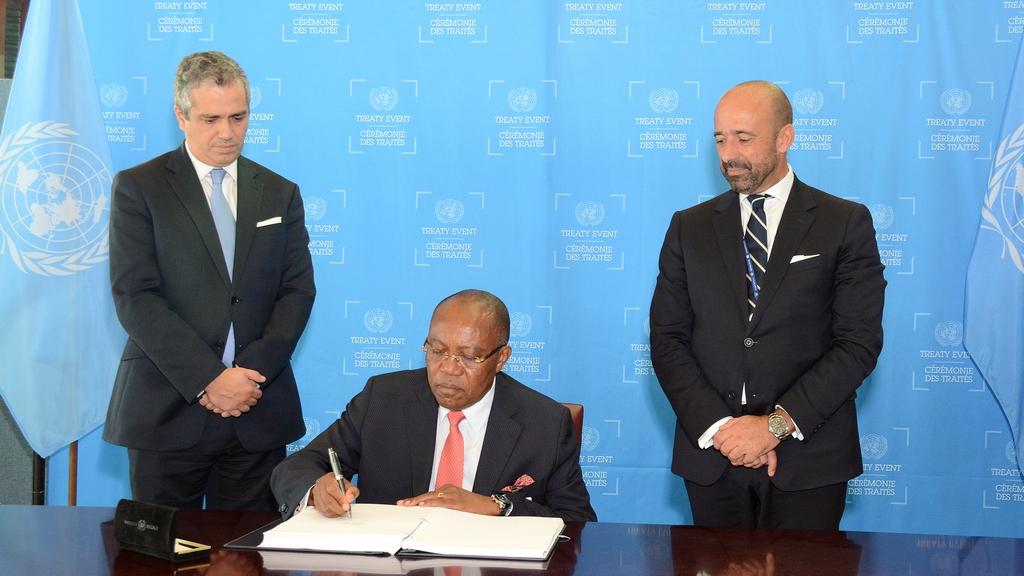 TPNW-Angola-Signature.jpg