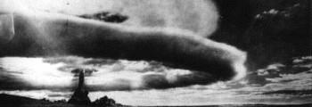 Sovjetunionen tester sitt første atomvåpen