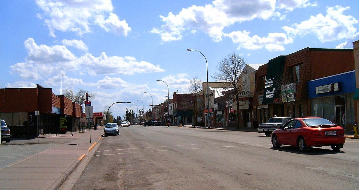 1200px-Alberta_mainstreet_Olds_033_cropped.jpg