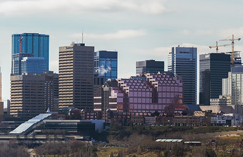 Edmonton_Skyline_April_2016_1300px-cropped.jpg