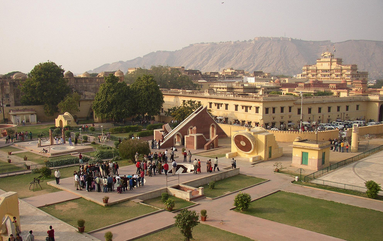 Jantar_Mantar_at_Jaipur.jpg