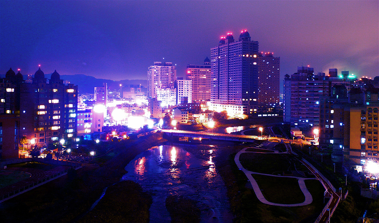 Nankan_Creek_Night_Taoyuan.jpg