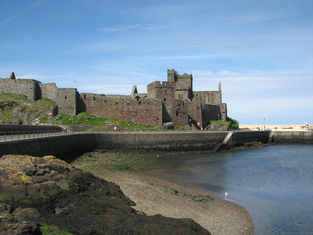 Isle_of_Man_Peel_Castle.jpg