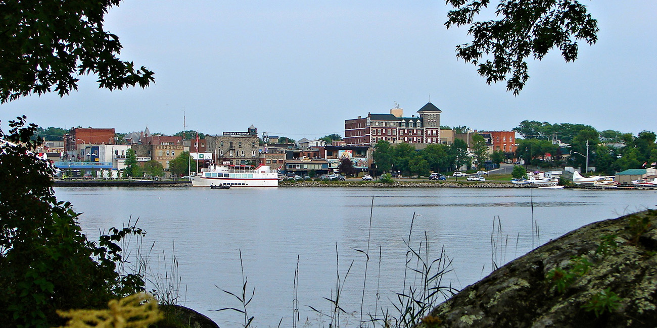 Kenora_ON_skyline.JPG