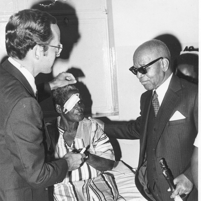 1982 Larry Schwab with President Banda in Malawi