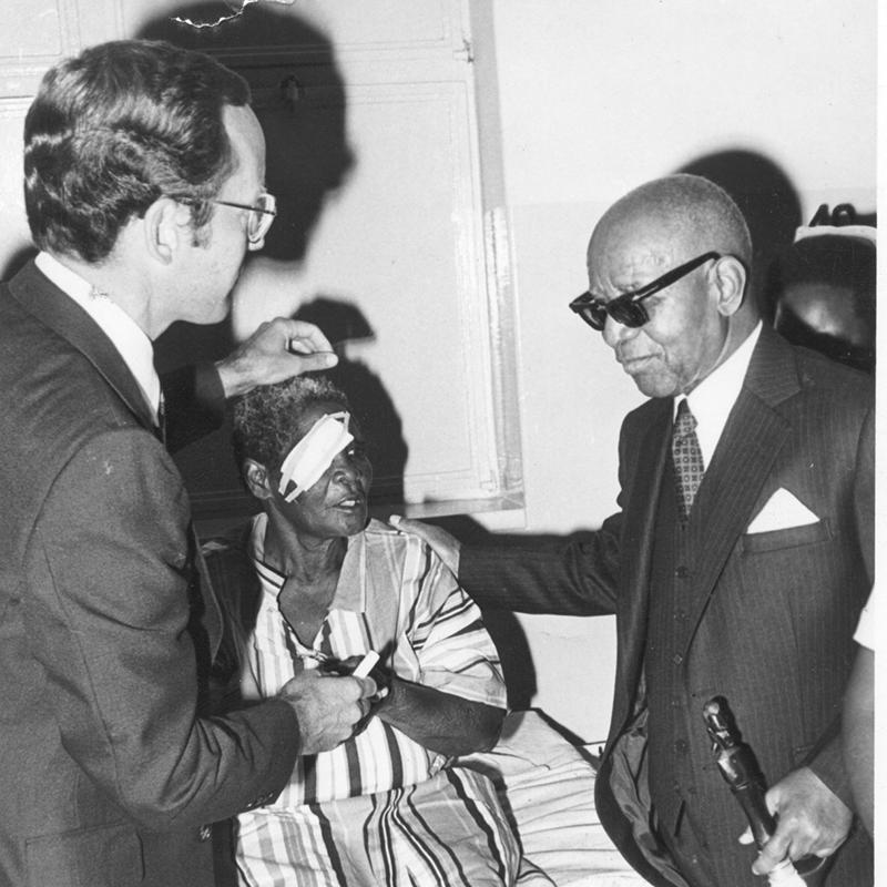 1982 Larry Schwab with President Banda in Malawi
