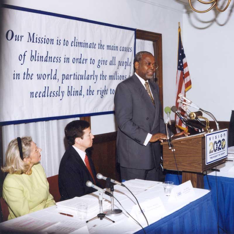 2001 Mendouga Vision 2020 press conference