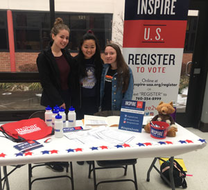 Fox Chapel Area High School students register their peers to vote at a school event