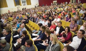 800 teachers and parents assemble at meeting organized by NAIC. Lead Organizer: Joe Rubio