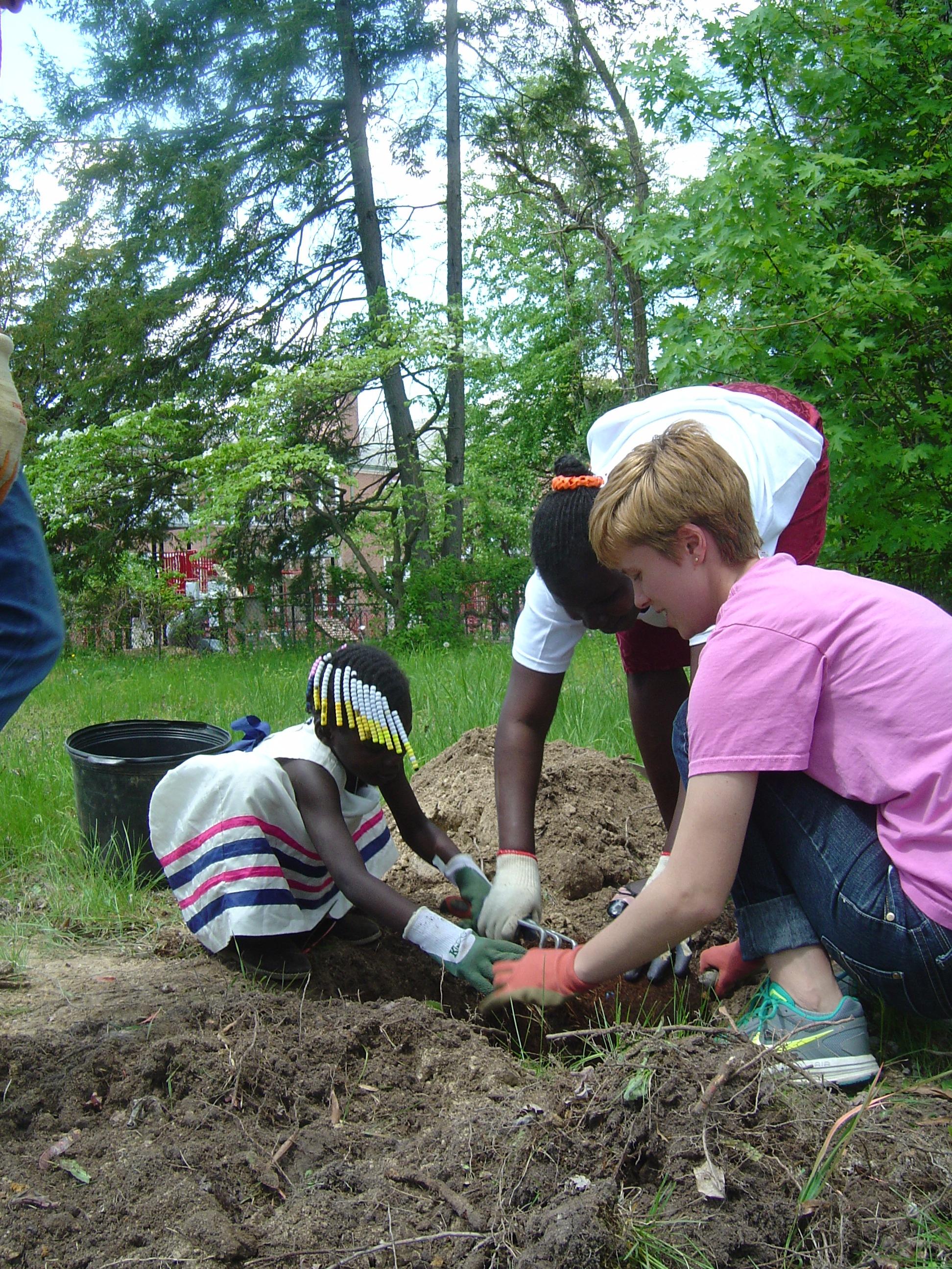 Kids_Planting_Tree.jpg