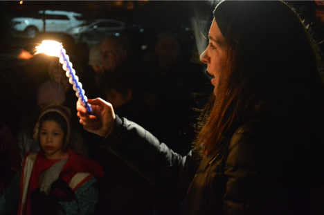 Bend the Arc: Pittsburgh Steering Committee member Tammy Hepps holds the Havdalah Candle