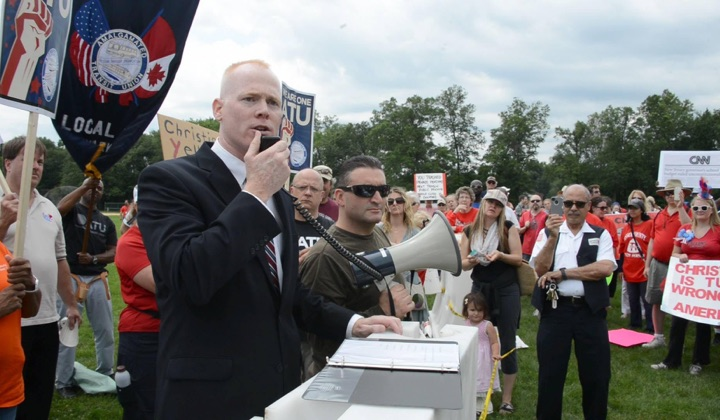 Keady speaks at union rally