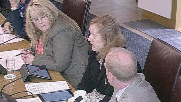 Joan_Grills_ATOS_Boses_During_Committee_Session.jpg